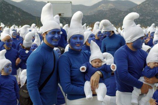 smurfs-family.jpg