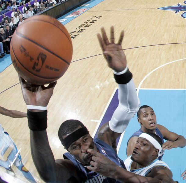 http://www.funny-potato.com/blog/wp-content/uploads/2011/06/tactic-basketball.jpg