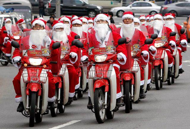 Santa Clauses moto