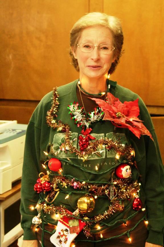 http://www.funny-potato.com/images/christmas/funny-sweaters/christmas-sweater.jpg#chrismas%20sweaters