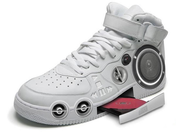 Shoe with a CD