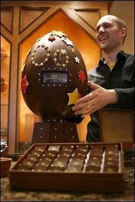 Wow! This big chocolate egg has been prepared in London for 87 000 ...