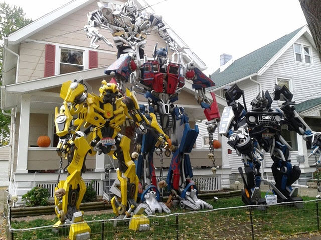 Funny Outdoor Halloween Decorations! - Silly Halloween Decorations