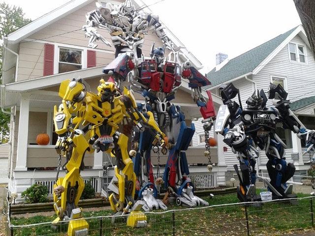Funny Outdoor Halloween Decorations! - Unusual Halloween Props