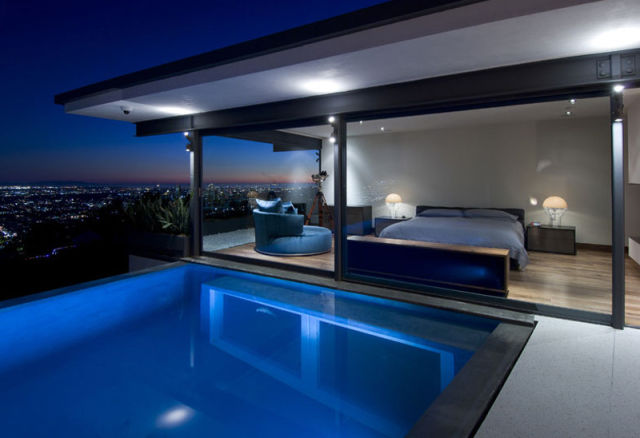 Room pool dream
